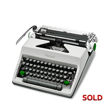 Gray 1967 Olympia SM9 De Luxe Manual Typewriter with Case (Pica 10 characters/inch) #1147
