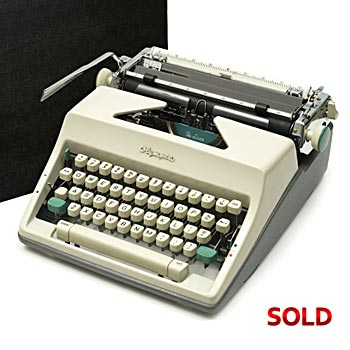 Cream 1965 Olympia SM9 De Luxe Manual Typewriter with Case