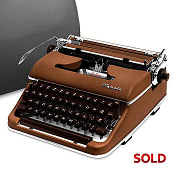 Brown 1958 Olympia SM3 De Luxe Manual Typewriter with Case (10 characters/inch)